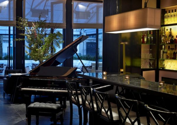 la-villa-restaurant-cocktails-piano-bar-in-paris-08